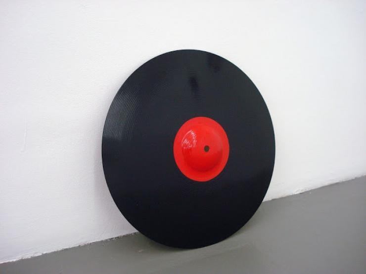 http://hugoschuwerboss.com/files/gimgs/th-28_hsb_sans titre (discographie)-laquesurcymbalecrash-2011.jpg