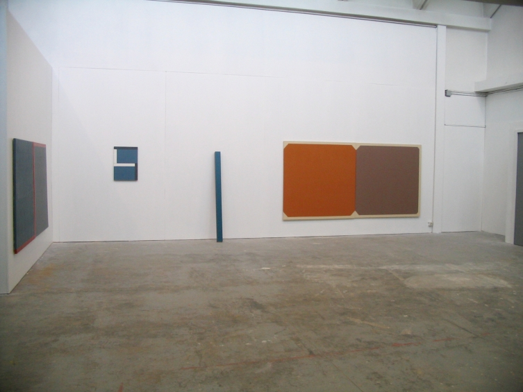http://hugoschuwerboss.com/files/gimgs/th-119_hugo schuwer boss- accrochage hiver 2004.jpg